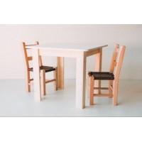 Mesa e cadeiras infantil